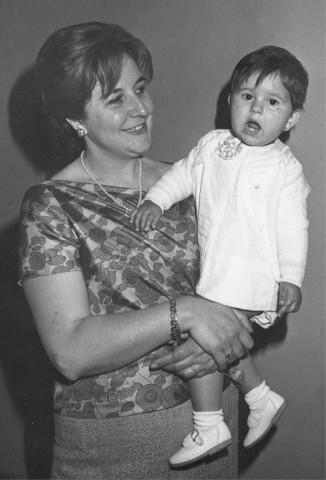 La tía Mª Teresa con Reyes